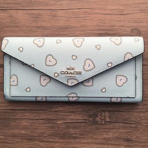 🌺HP🌺 NWT COACH Wallet With Western Heart Print!